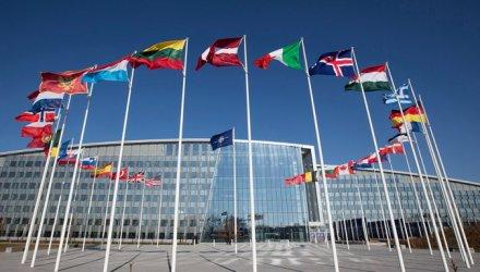 Външните министри на НАТО се срещат за пръв път от 2019 г.