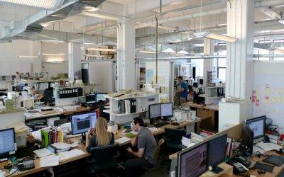 Над 70% от служителите в офисите, продължават да работят от дома си