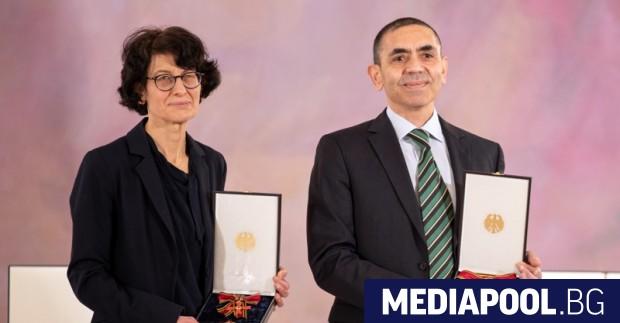 Йозлем Тюреджи и Угур Шахин, основатели на фирма BioNtech, която