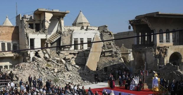 Папа Франциск посети Мосул и Каракош, пореден етап от тридневната