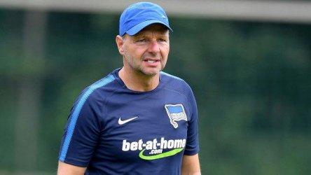 Заради уволнение на футболен треньор Унгария оспори демократичните стандарти на Германия