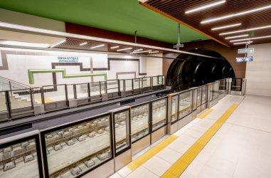 """Третата линия на метрото спира през уикенда, за да се свърже софтуерно с участъка до """"Горна баня"""" (Снимки)"""