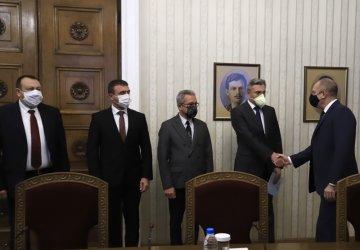 ДПС няма да подкрепи правителство на ГЕРБ или на БСП (Видео)