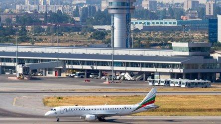 Отсрочка на таксите и ежегоден контрол за концесионера на летище София