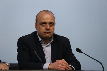 """БСП може и да подкрепи правителство на Трифонов с """"Демократична България"""" и """"Изправи се! Мутри вън"""""""
