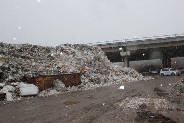Мая Манолова внесе промени за ограничаване вноса на отпадъци