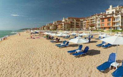 Безплатни чадъри и шезлонги на плажове у нас и това лято