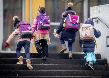В училищата и детските градини в София ще има психологичeски кабинети