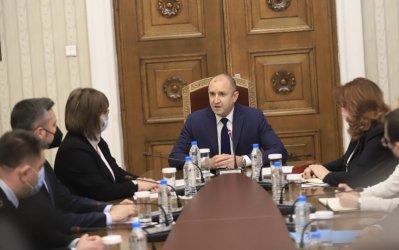 БСП не знае дали ще предложи кабинет, ако получи от Радев третия мандат (Обновена)