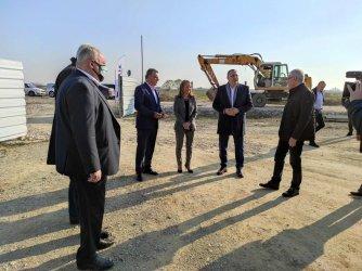 Вдигат най-големият завод на Балканите за алуминиеви профили край Пловдив