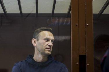 Руската полиция задържа сподвижничка на Навални близо до затвора, в който се намира той
