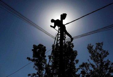 На прощаване ГЕРБ се бетонира в държавната енергетика