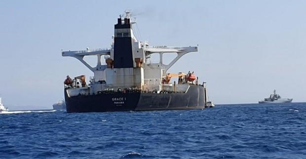 Иран освободи петролен танкер под южнокорейски флаг, който беше заловен