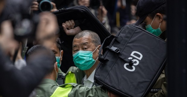 Хонконгският медиен магнат и милиардер Джими Лай бе осъден на