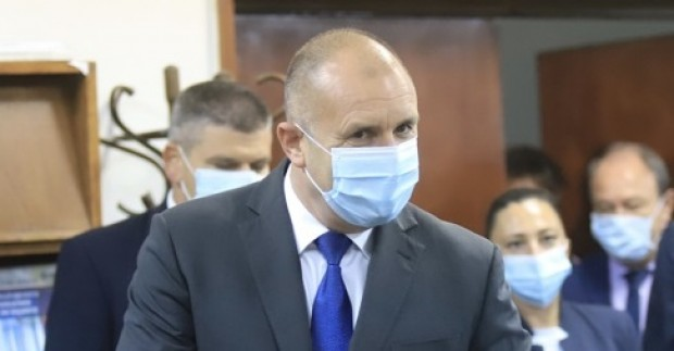 Президентът Румен Радев прави обръщение към гражданите по време на