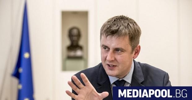Външният министър на Чехия Томаш Петържичек ще бъде отстранен от