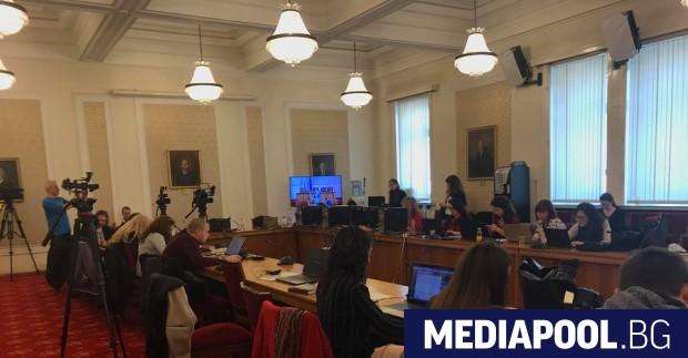 Журналистите няма да имат достъп до депутатите и в новото
