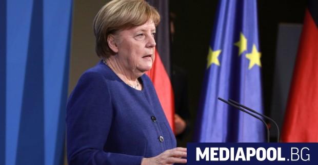 Германската канцлерка Ангела Меркел каза, че ще стои настрана от