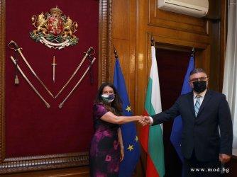 Първа среща: Военният министър обсъди с Херо Мустафа стратегическите отношения