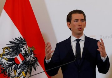 Австрийският канцлер е разследван за неверни показания пред комисия