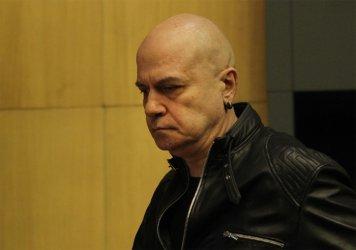 """Слави Трифонов прави """"факт чек"""" за твърденият на ГЕРБ за Изборния кодекс"""