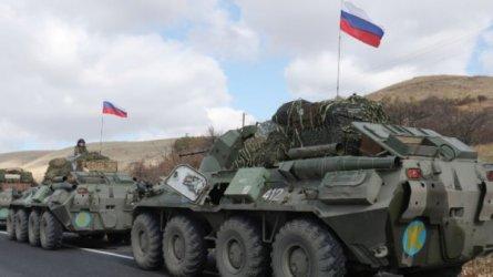 Президентът на Украйна обяви, че руските войници и оръжие са още край границите й