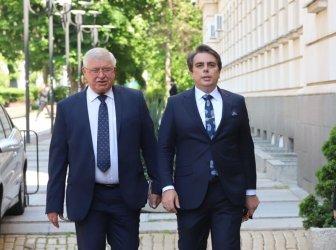 Новият финансов министър иска да продължи пенсионерските добавки от 50 лв. и схемата 60/40