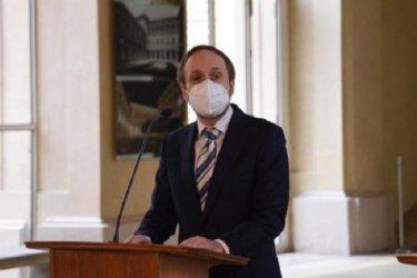 Чехия гони до края на май десетки сътрудници на руското посолство в Прага