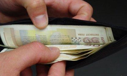 Всеки трети българин е теглил заем, за да преживява в пандемията