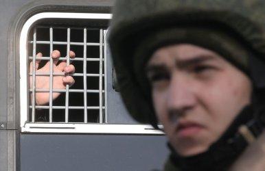 Руските власти задържаха и адвоката на Навални