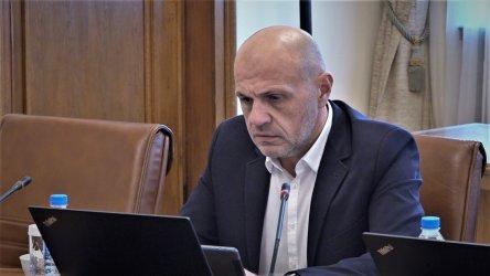 Томислав Дончев: Уважавам всекиго, не искам да изчегъртвам никого