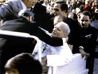 Атентатът срещу папата (част I)