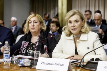 За пръв път  жена застава начело  на тайните служби в Италия