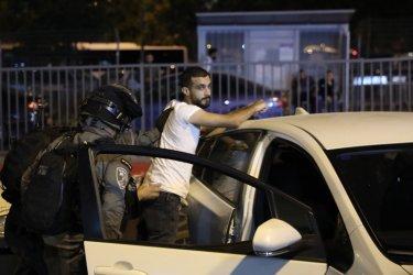 Десетки ранени при сблъсъци между палестинци и израелската полиция в Ерусалим