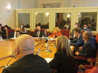 """Комисията по ревизията подхваща пътища, """"Турски поток"""", саниране"""