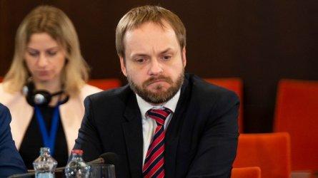 Броят на служителите в генералните консулства на Русия и Чехия ще остане непроменен