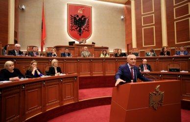 Управляващата Социалистическа партия спечели изборите в Албания
