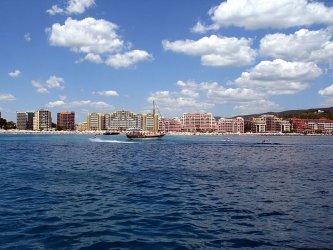 Курортите посрещат пусти началото на туристическия сезон
