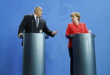 """""""Шпигел"""" замеси Меркел и Борисов в схема с доставка на некачествени маски"""