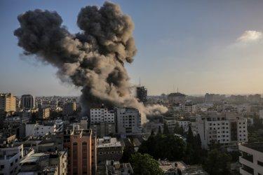 Израелската армия е готова за сухопътна операция в Газа
