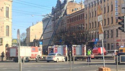 Осем души загинаха в пожар в незаконен хостел в латвийската столица Рига