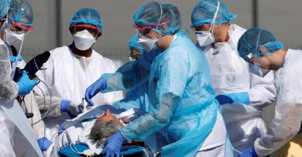 Франция обяви, че 4271 пациенти с Covid-19 лежат в интензивни