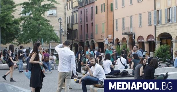 Властите в Италия отменят задължителната карантина за пристигащите от България