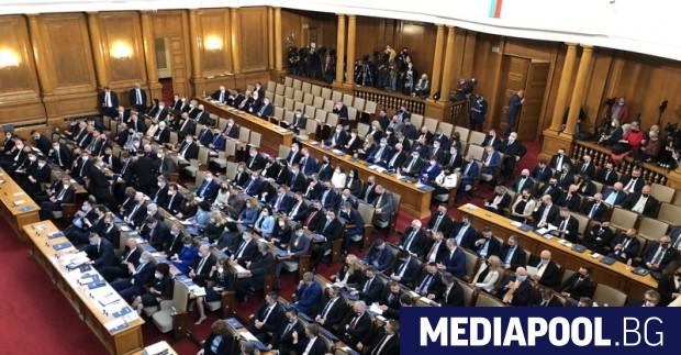 Парламентът прие в сряда на първо четене преизчисляване на пенсиите