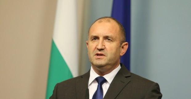 Президентът Румен Радев се очаква да връчи в сряда последния