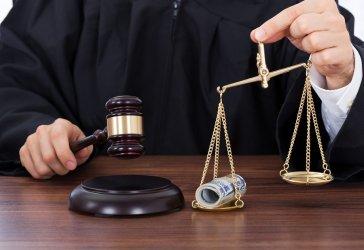 Янаки Стоилов провокира дебат за закриването на малките съдилища