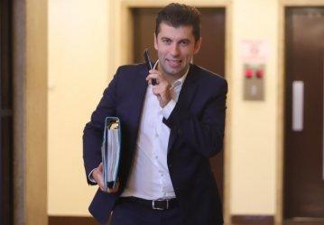 Министър Петков поиска ББР да отпуска най-много 5 млн. лв. на фирма