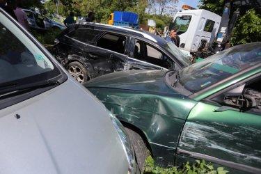 Автобус помля 7 леки коли в София (видео)