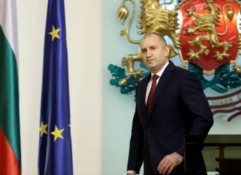 Радев: Трябва нови инструменти за работа с Русия