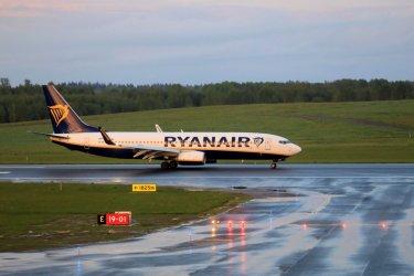 На борда на приземения в Беларус самолет на RyanAir имало агенти на КГБ